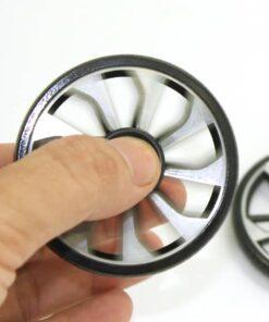 hand spinner roue dans la main