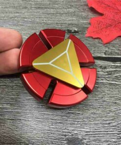 hand spinner iron man dans la main